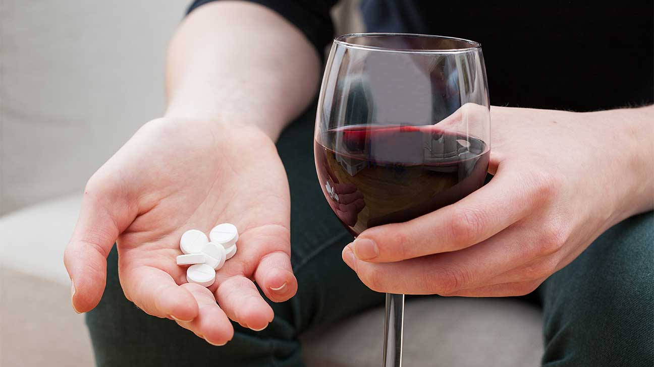 Dangers Of Mixing Hydrocodone And Alcohol